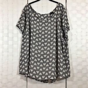 TORRID Size 4 Hearts Black and White Blouse